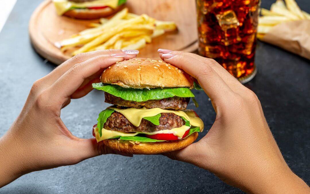 Fastfoodové jedlo môže skomplikovať otehotnenie